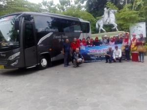 Rombongan Ikatan Alumni SMA Trimurti 73 Surabaya